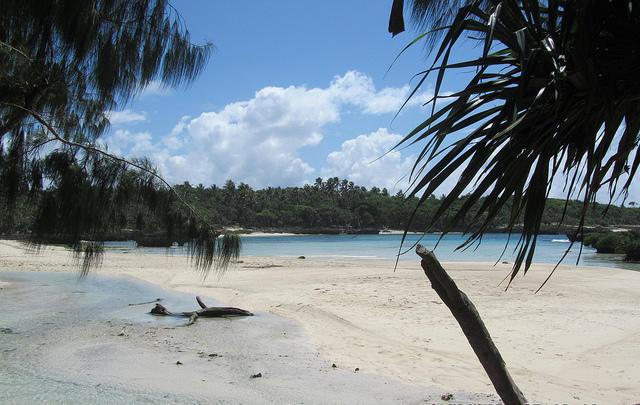 Остров Эфате Вануату YJ0PO