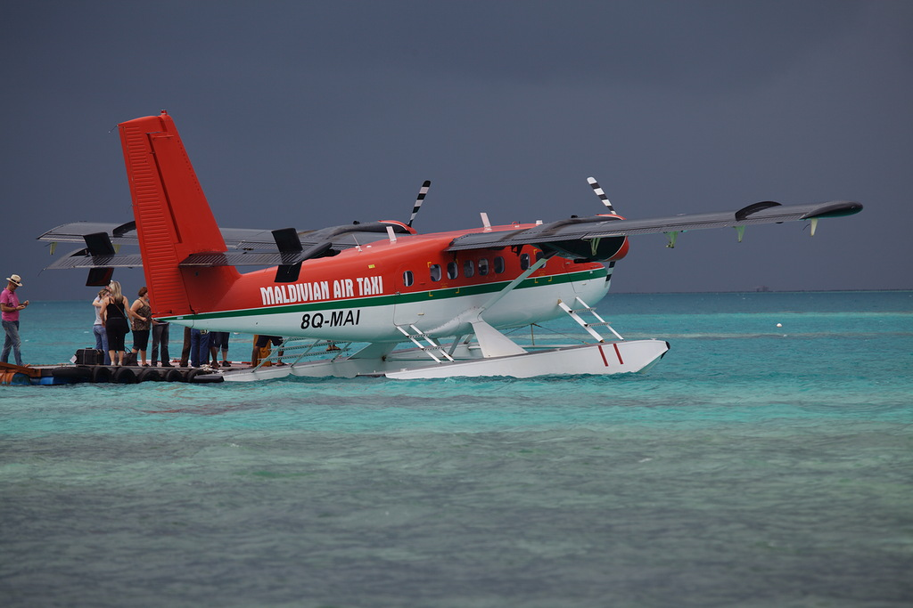 Maldive Islands DX News 8Q7ZB Air Taxi